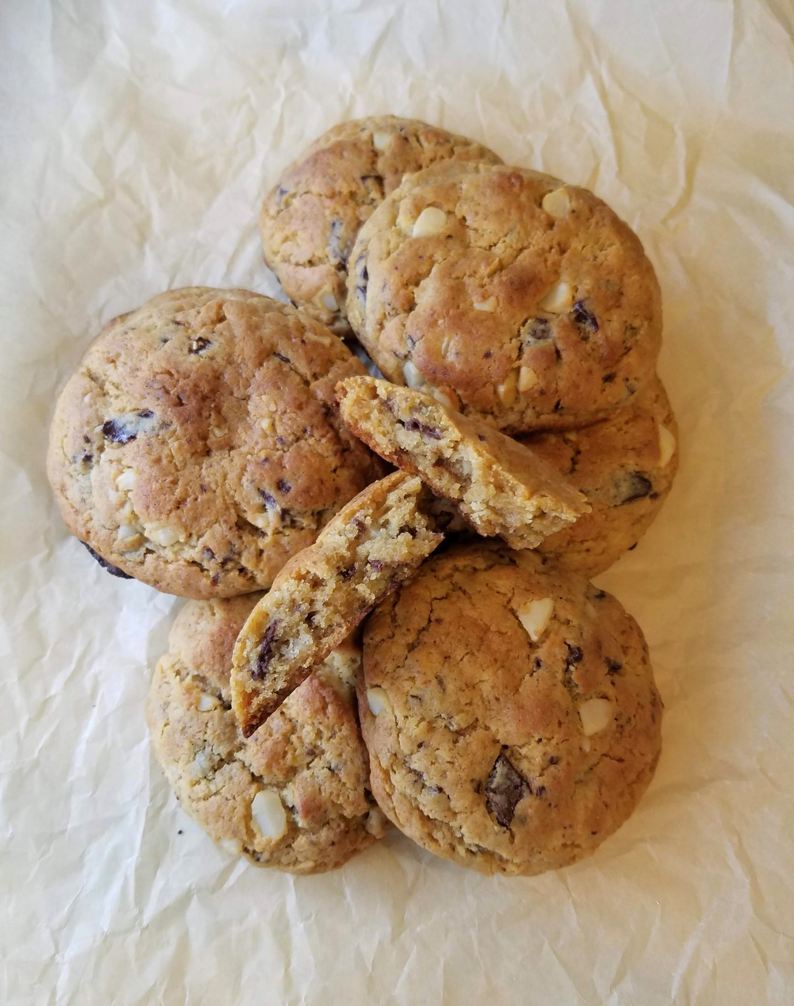 Low Carb Levain-style Chocolate Chip Cookies